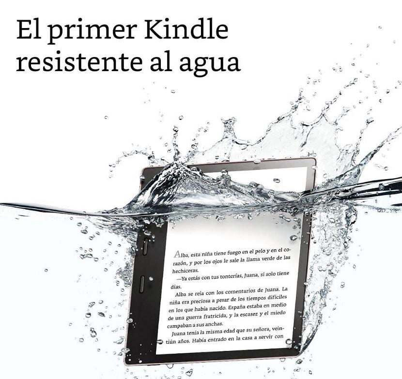 Kindle Oasis sumergido en agua